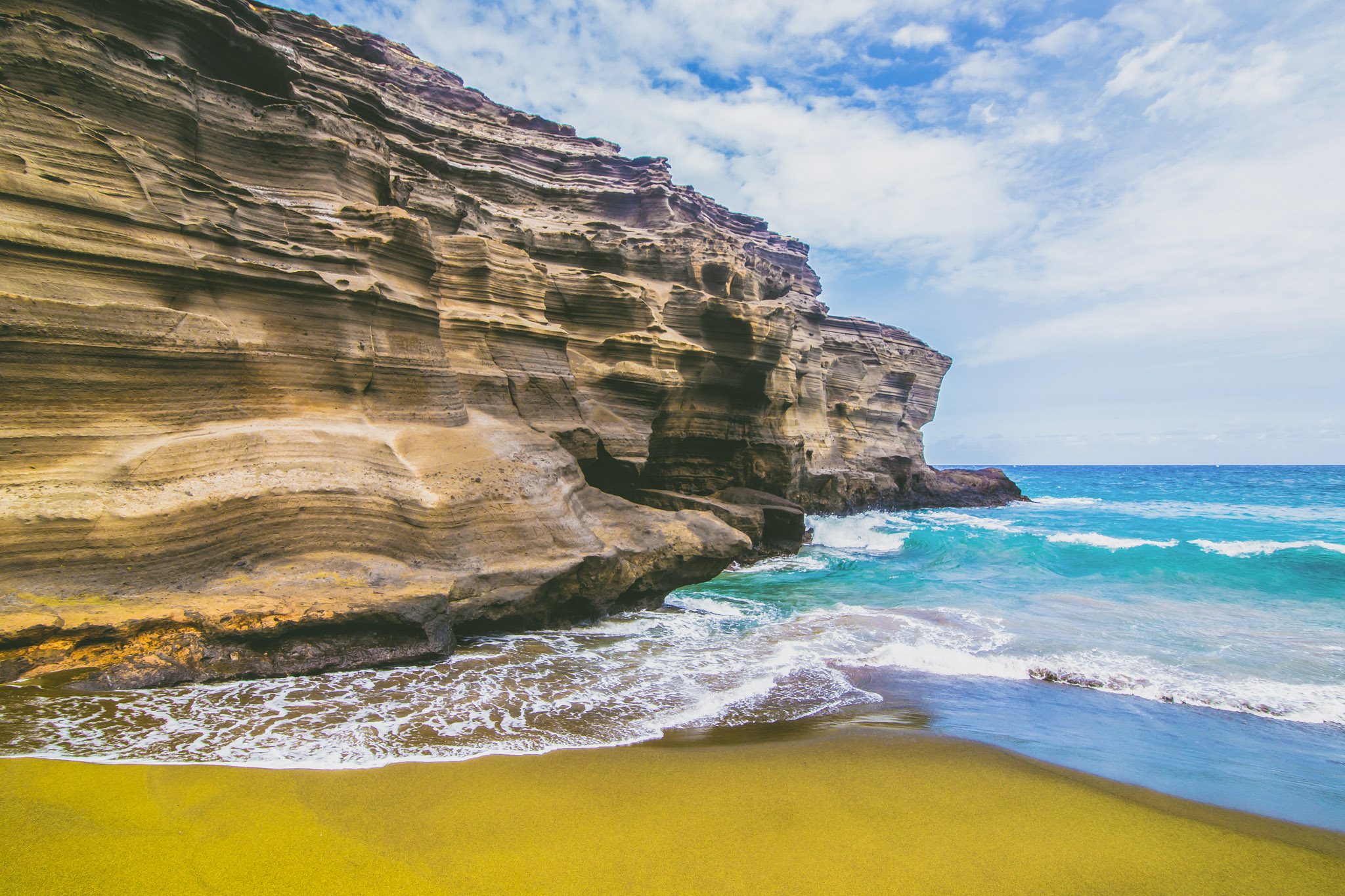 Green Sand Beach  // 10 Things You Have to Do on the Big Island of Hawaii // www.readysetjetset.net #readysetjetset #hawaii #bigisland #blogpost #hawaiiguide