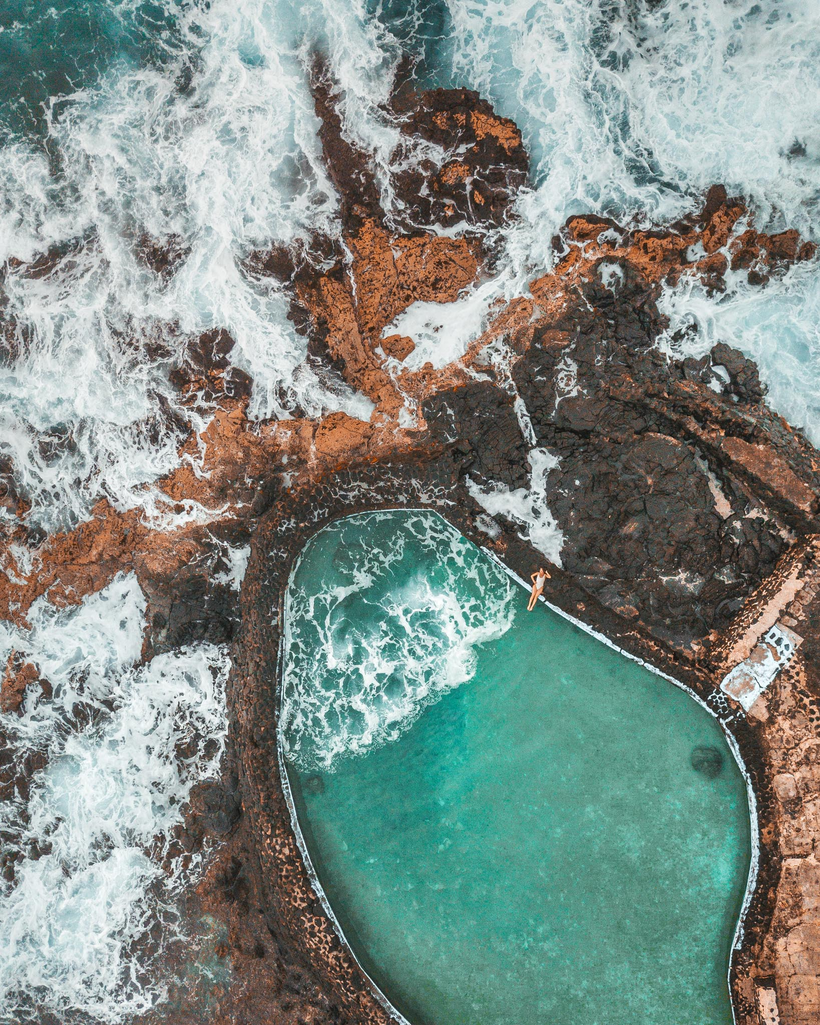 Rivi's Saltwater secret pool  // 10 Things You Have to Do on the Big Island of Hawaii // www.readysetjetset.net #readysetjetset #hawaii #bigisland #blogpost #hawaiiguide