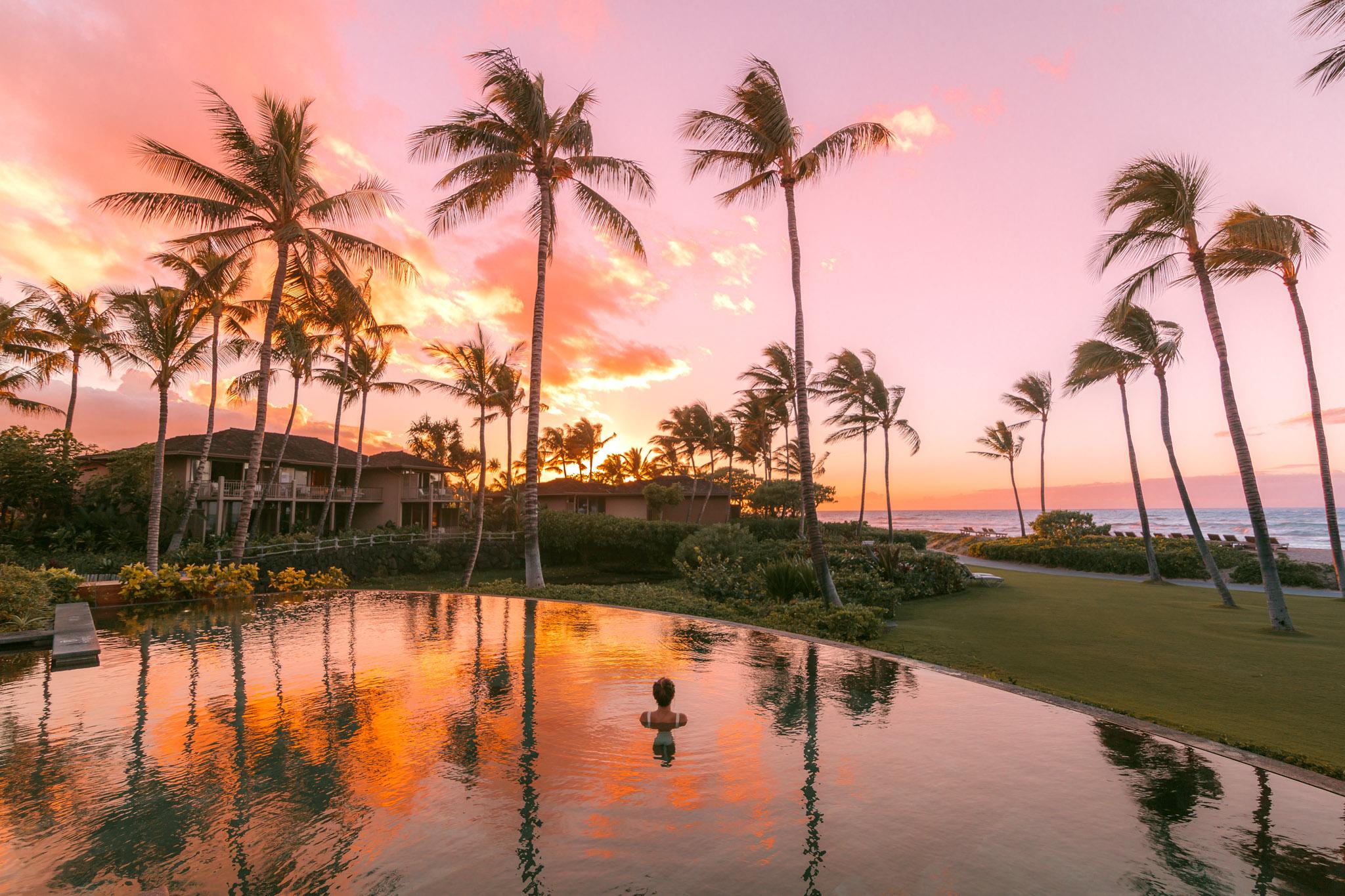 Palm Grove Pool at sunset // A Luxury Stay on the Big Island: Four Seasons Resort Hualalai // #readysetjetset #hawaii #bigisland #luxuryhotels #beachresorts #usa #travel