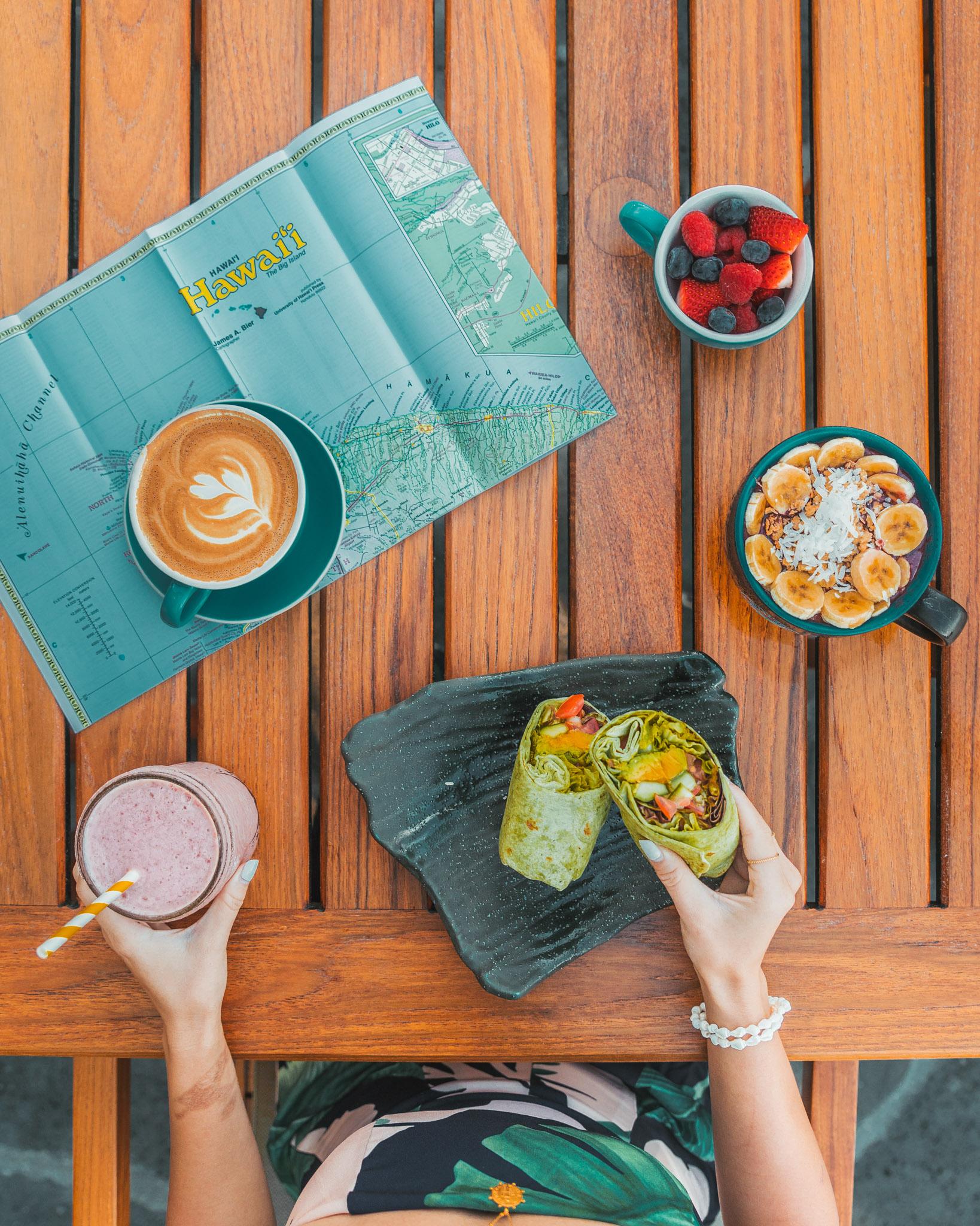 Lunch at Hualalai Trading Company // A Luxury Stay on the Big Island: Four Seasons Resort Hualalai // #readysetjetset #hawaii #bigisland #luxuryhotels #beachresorts #usa #travel