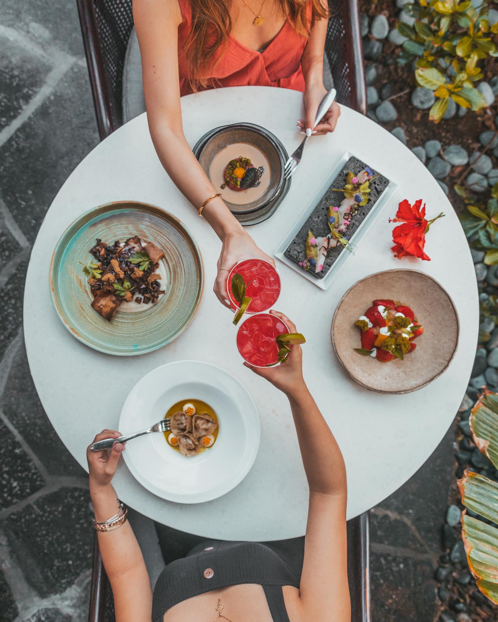 Dinner at Ulu Ocean Grill // A Luxury Stay on the Big Island: Four Seasons Resort Hualalai // #readysetjetset #hawaii #bigisland #luxuryhotels #beachresorts #usa #travel