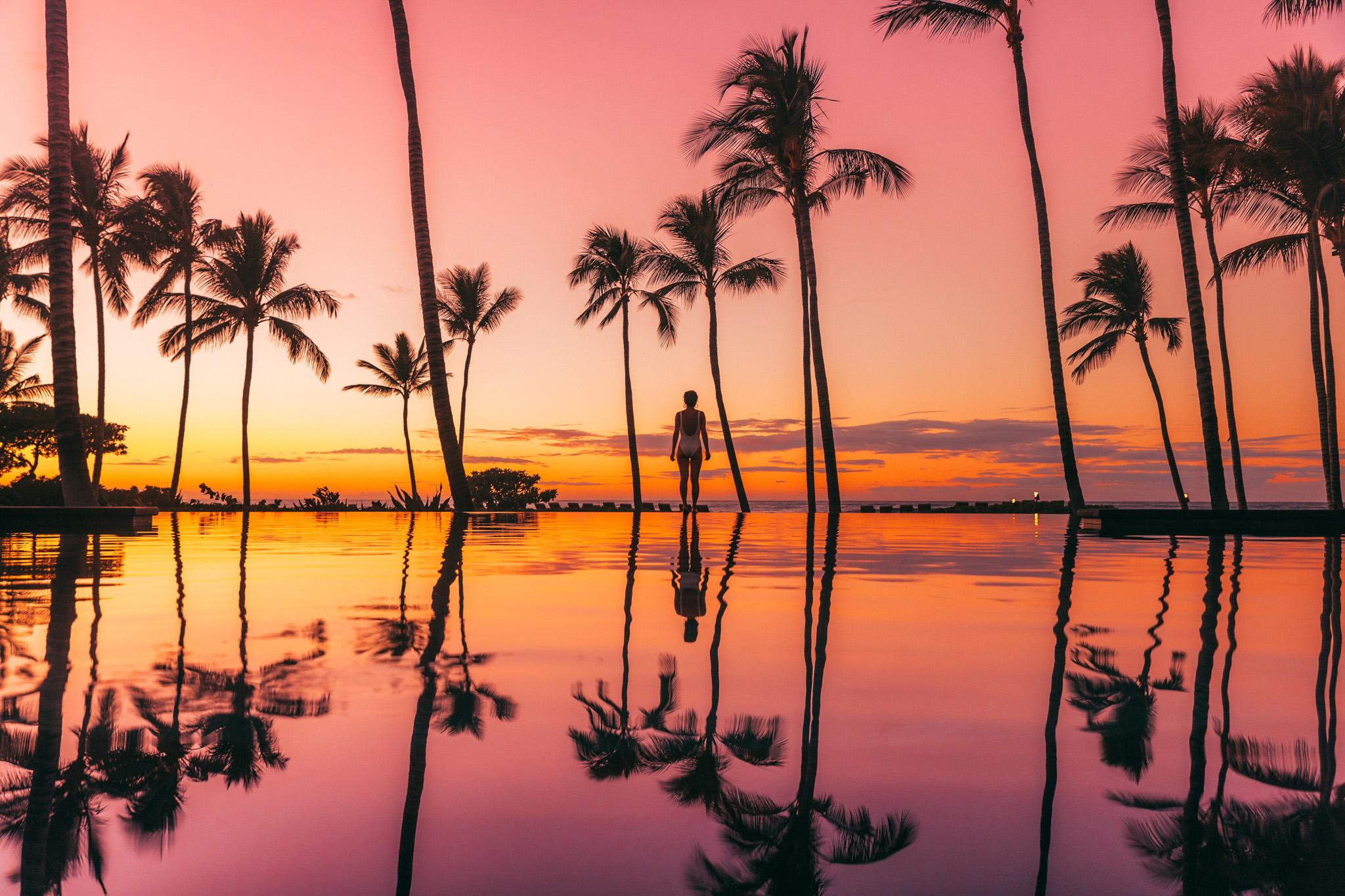 Palm Grove Pool sunset // A Luxury Stay on the Big Island: Four Seasons Resort Hualalai // #readysetjetset #hawaii #bigisland #luxuryhotels #beachresorts #usa #travel