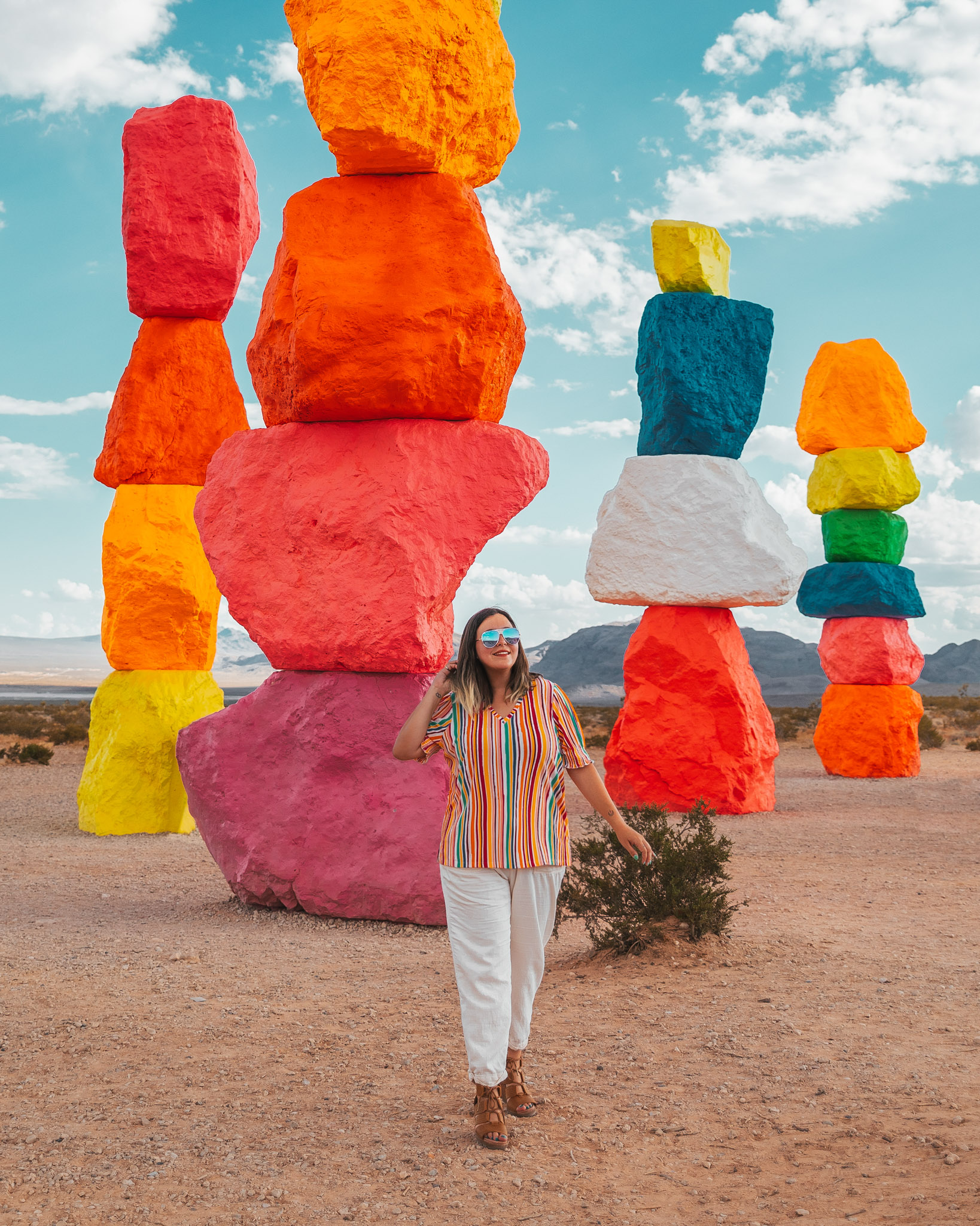 Seven Magic Mountains Las Vegas // The Quick Guide to Visiting Vegas Beyond the Strip #readysetjetset #lasvegas #nevada  #blogpost #travel #rainbow #color