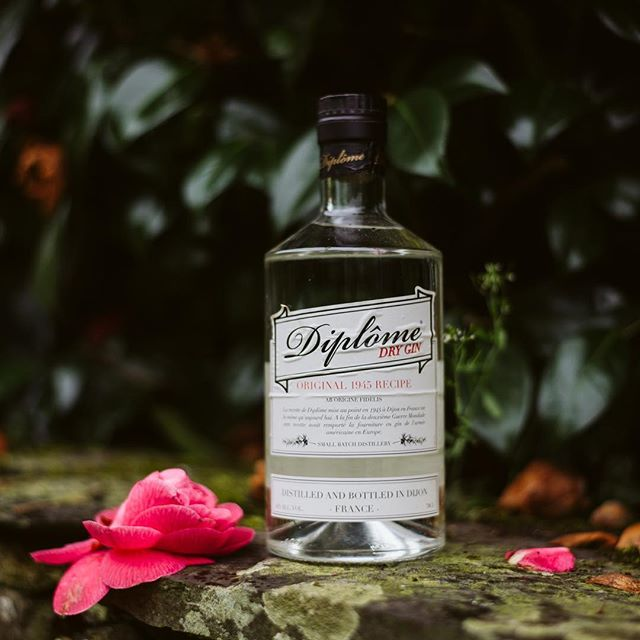 Spring is here with Diplome Gin.  #diplomegin #madeinfrance🇫🇷 #since1945
