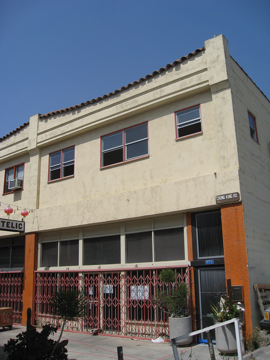 This renovation of the 1,200 s.f. residential level of a two story mixed-use building is located on Chung King Road, a walk-street in the gallery district of Chinatown, Los Angeles.