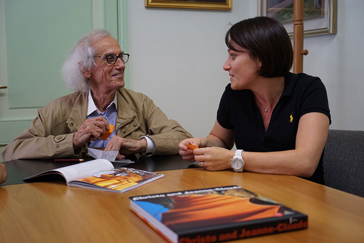 Christo introduces The Floating Piers project to Paola Pezzotti, mayor of the city of Sulzano, August 2014