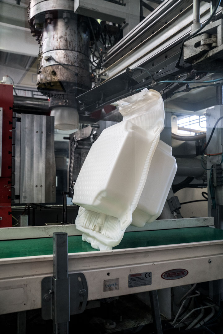 At a factory in Fondotoce at Lago Magiore, 200,000 high-density polyethylene cubes are manufactured over a period of eight months before delivered to the project's storage in Montecolino, January 2016