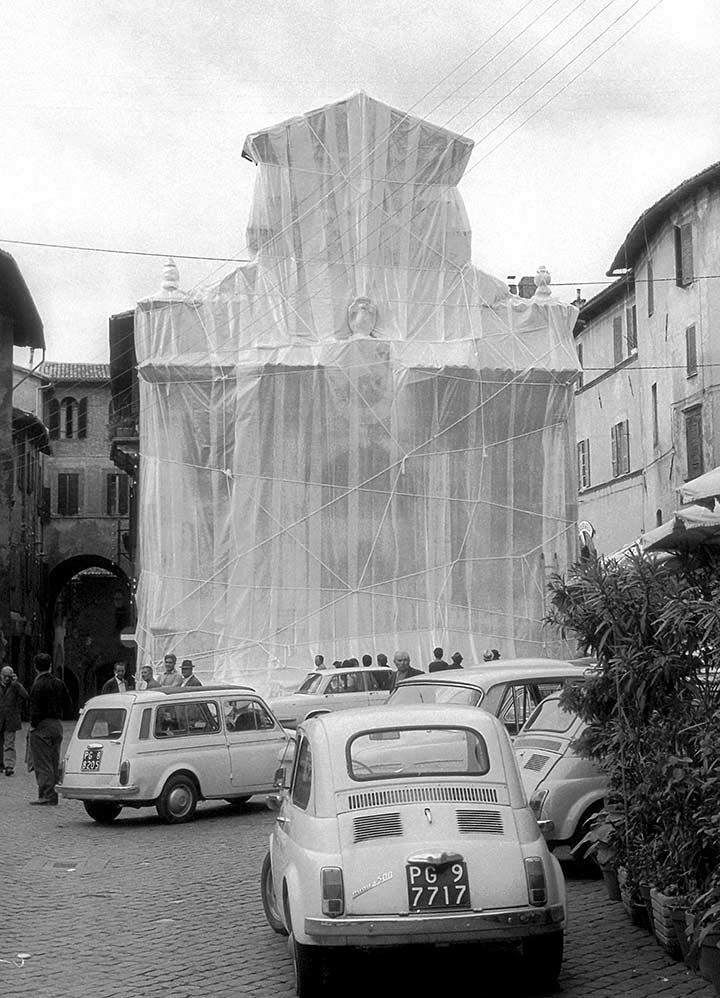 Wrapped Fountain, Spoleto, Italy, 1968