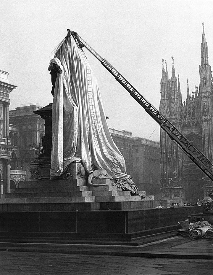 Construction of Wrapped Monument to Vittorio Emanuele II