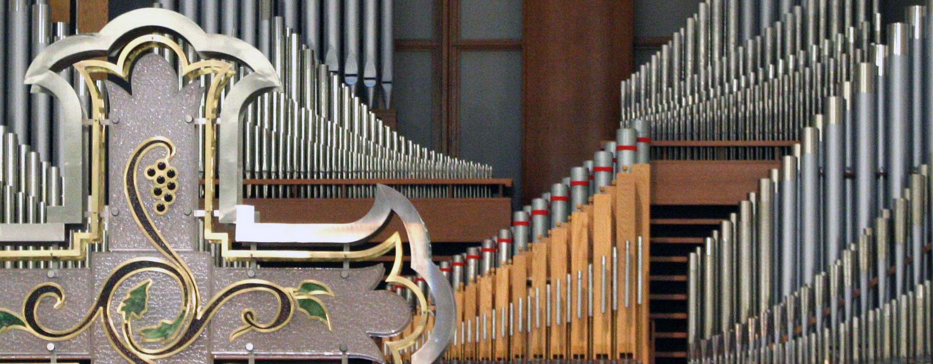Arborlawn organ closeup.jpg