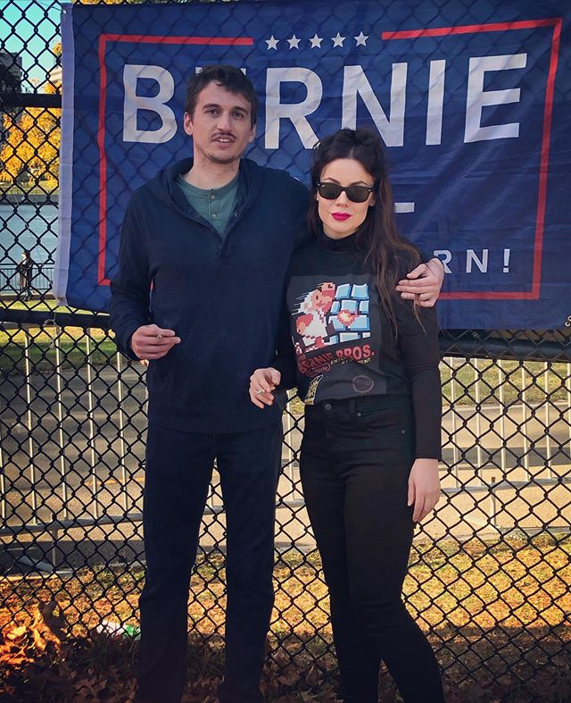 What a beautiful day for a rally #queensbridgepark for @berniesanders! 🙌🏻 @ocasio2018 Tiffany Caban, @michaelfmoore and Nina Turner all coming out to speak because they do understand he is a once in a generation candidate. We have an opportunity to elect someone this time that will empower us truly transform this country. There is no one else in this Democratic field that even comes close to him. No one. Period. Full Stop. I am looking forward to continuing to work to get the first Jewish man and this working class champion elected as President so we can finally get some damn healthcare! @kpbartley  #bernie2020 #bernieisback #bernierally #berniesanders #hindsightis2020 #bernieisbackbaby #queensforbernie