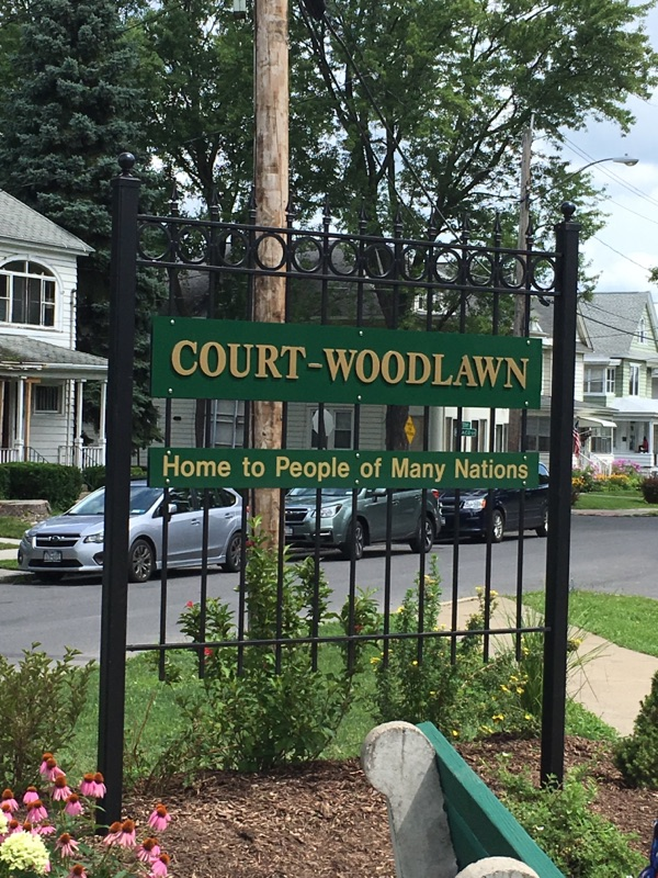 Court Woodlawn Sign
