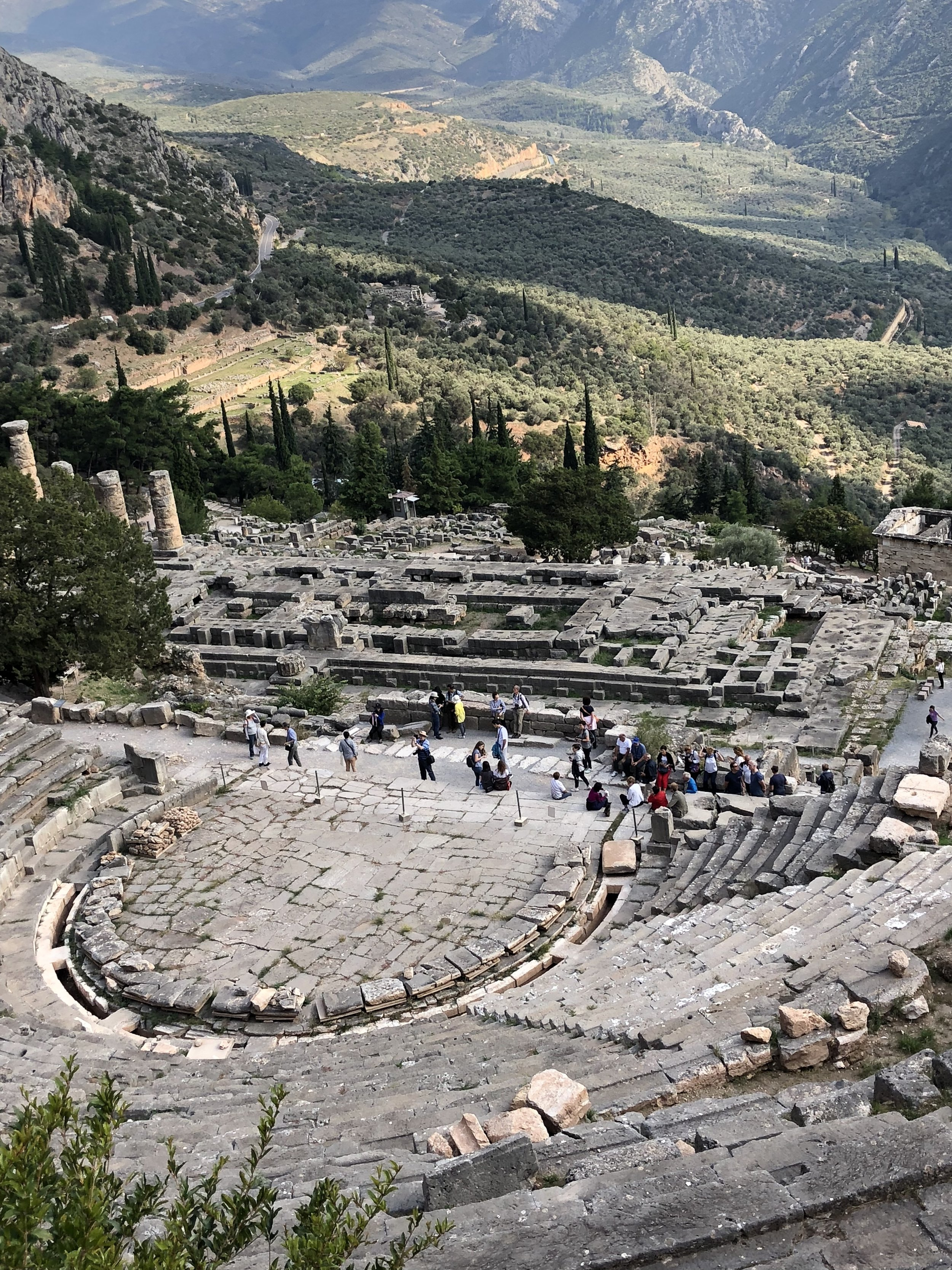 Delphi: the theater and below it the temple of Zeus where the oracle arrived