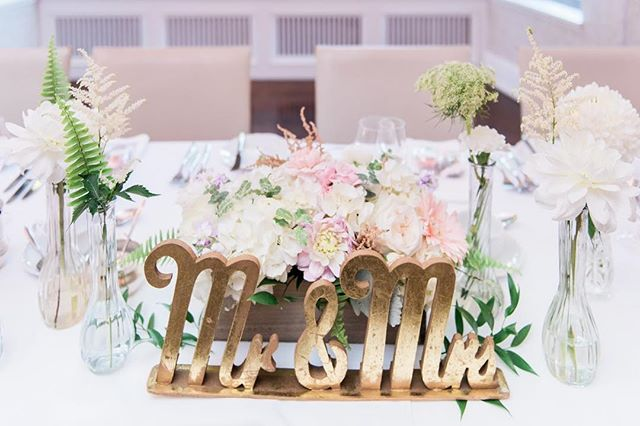 I love those little ferns on this gorgeous head table! 🌿 I'm so lucky to work alongside many amazing creatives and this wedding was one of my favourites.  Photo: @snapfulphotography  Florist: @fmfloral  Planner: @champagnecedar  #champagnecedarwed  #lifeofawpicweddingplanner #torontoweddingplanner #torontoweddingcoordinator #weddingplanner #designer #creative #creativeprofessional #bossbabe #bosslady