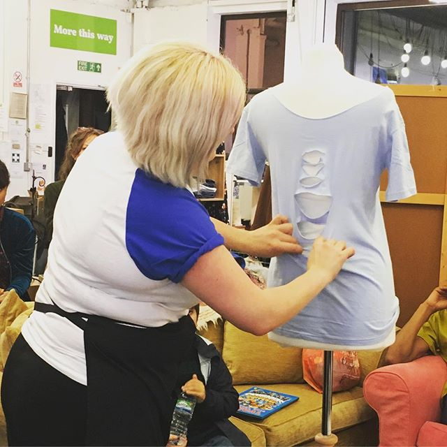 Watching @kecksclothing show us how to cut and tie a t-shirt to create a totally different piece. Currently riffling through my drawers to find something similar to chop up! #inspired #upcycling #repurposing #reworked #ecofashion #slowfashion #sustainablefashion #savedfromlandfill #emmaus #bristolevents