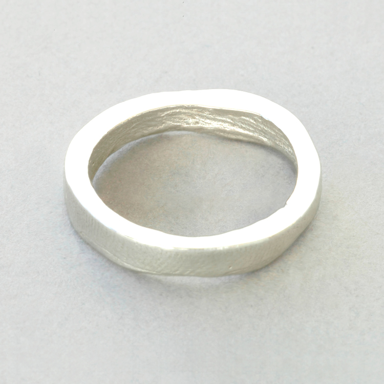 18ct_White_Gold_'slender'_buffed_exterior_surface_Patrick_Laing_You_&_Me_wedding_rings.jpg