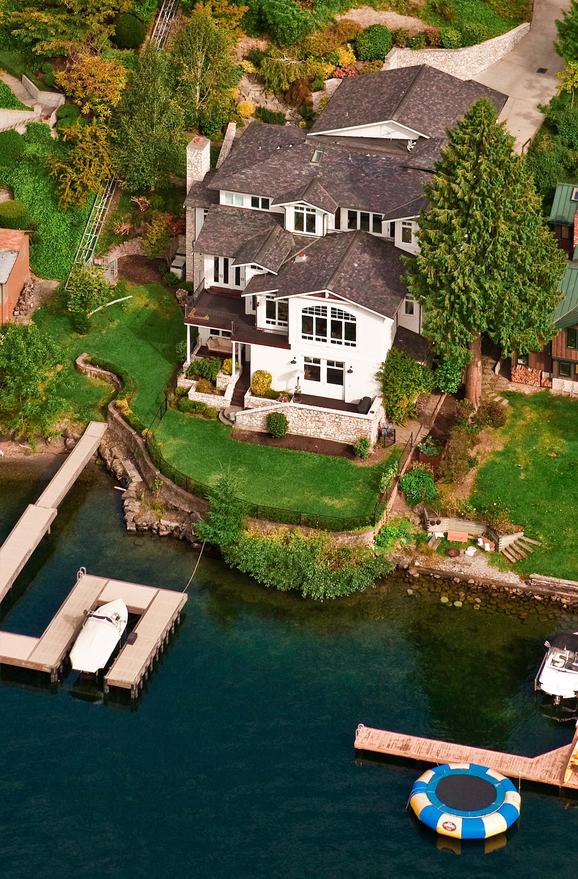 Waterfront home design by Seattle architecture firm TCA Architecture