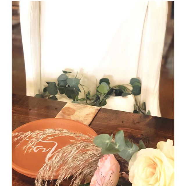Silk Chiffon, plant dyed, table napkins. Such a nice touch. * * Weddings, Corporate Events, Parties at the Ranch. SayYesToTheRanch.com Florals @eversomething * * #silkchiffon #plantdyed #art #simplicity #terracotta #forever #love #weddings #linens #tablelinens #brides #eventplanning #michellebiascreative