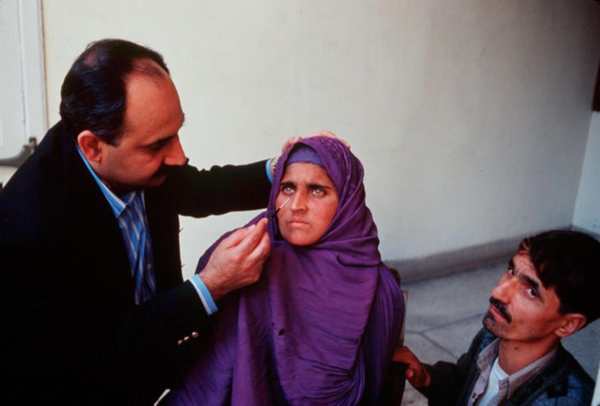 Sharbat Gula,  National Geographic ,2002