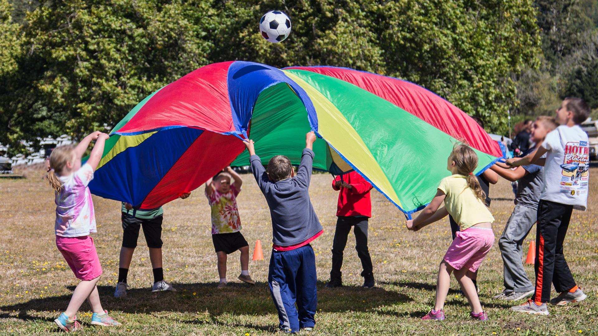 Kids-Parachute_IMG_9901.jpg