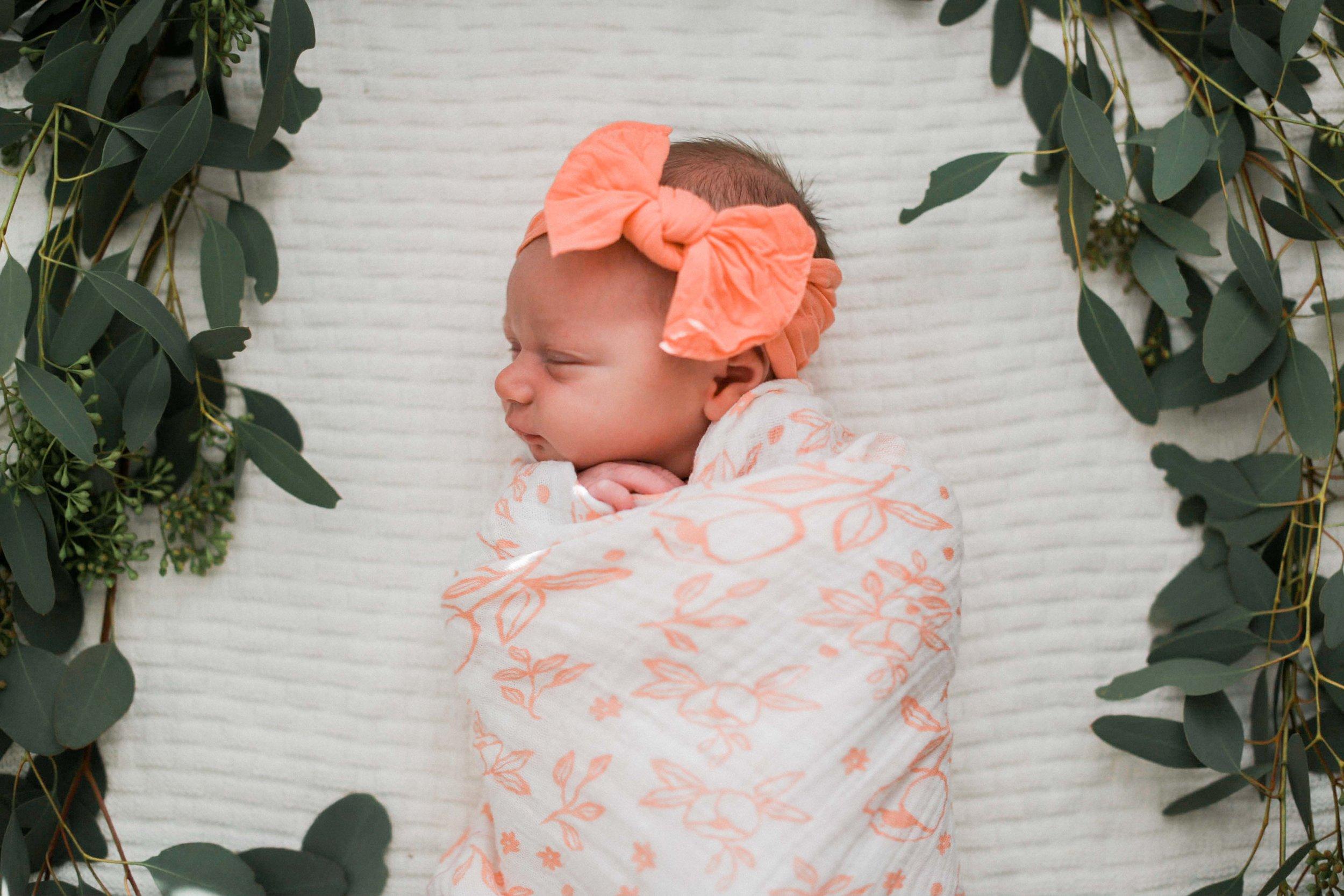 Emory Voss Newborn Shoot (1 of 21).jpg