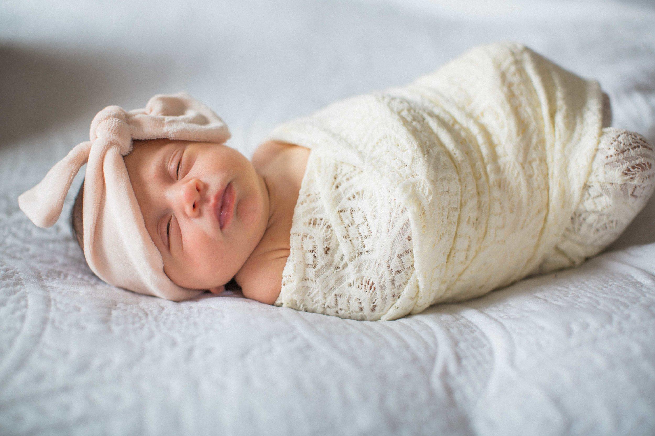 Annie Duvall Newborn Shoot (35 of 208).jpg