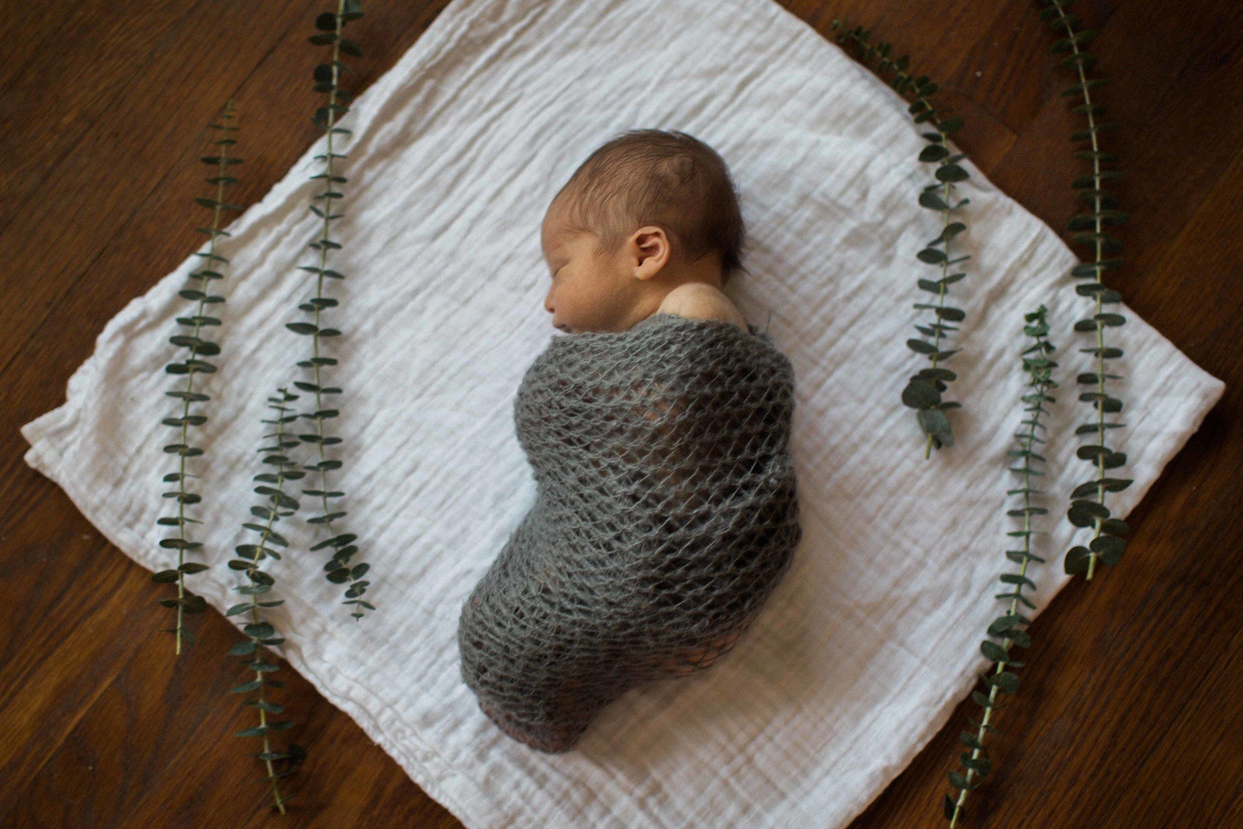 Harrison Cloud Newborn Shoot (20 of 259).jpg