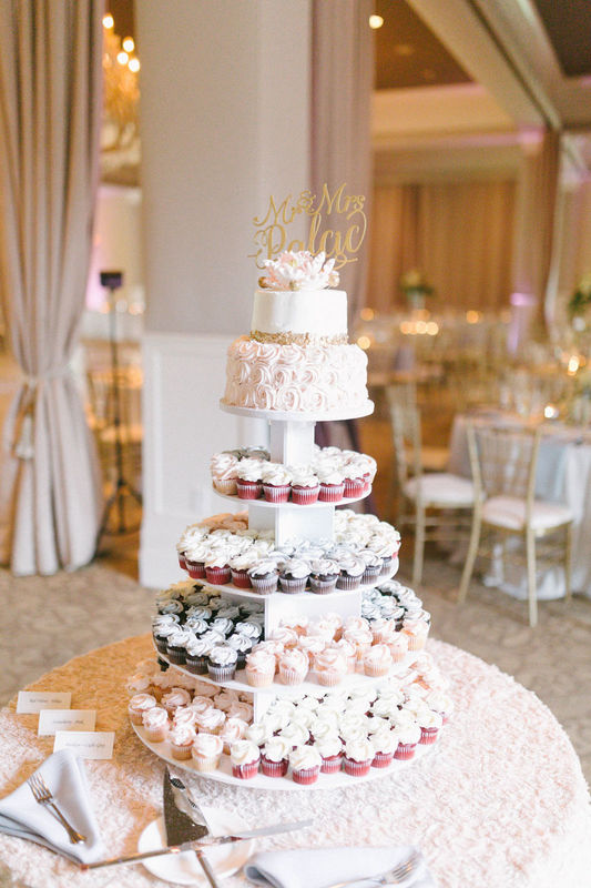 Palac Wedding Cake 9.16.17.jpg
