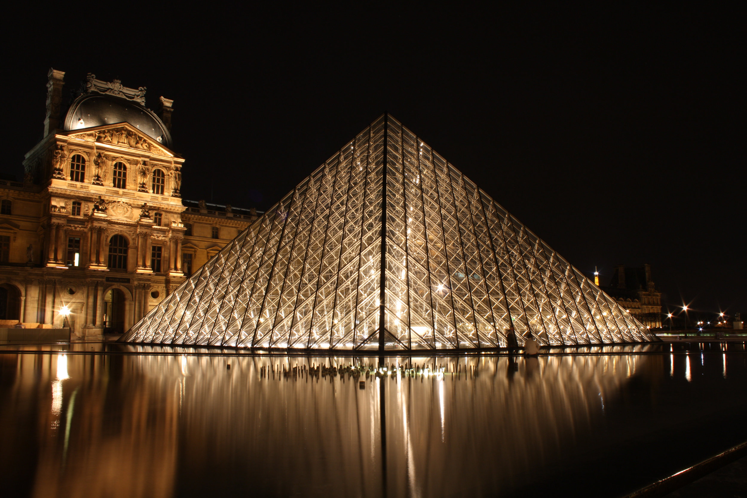Louvre at Night @rebeccaplotnick