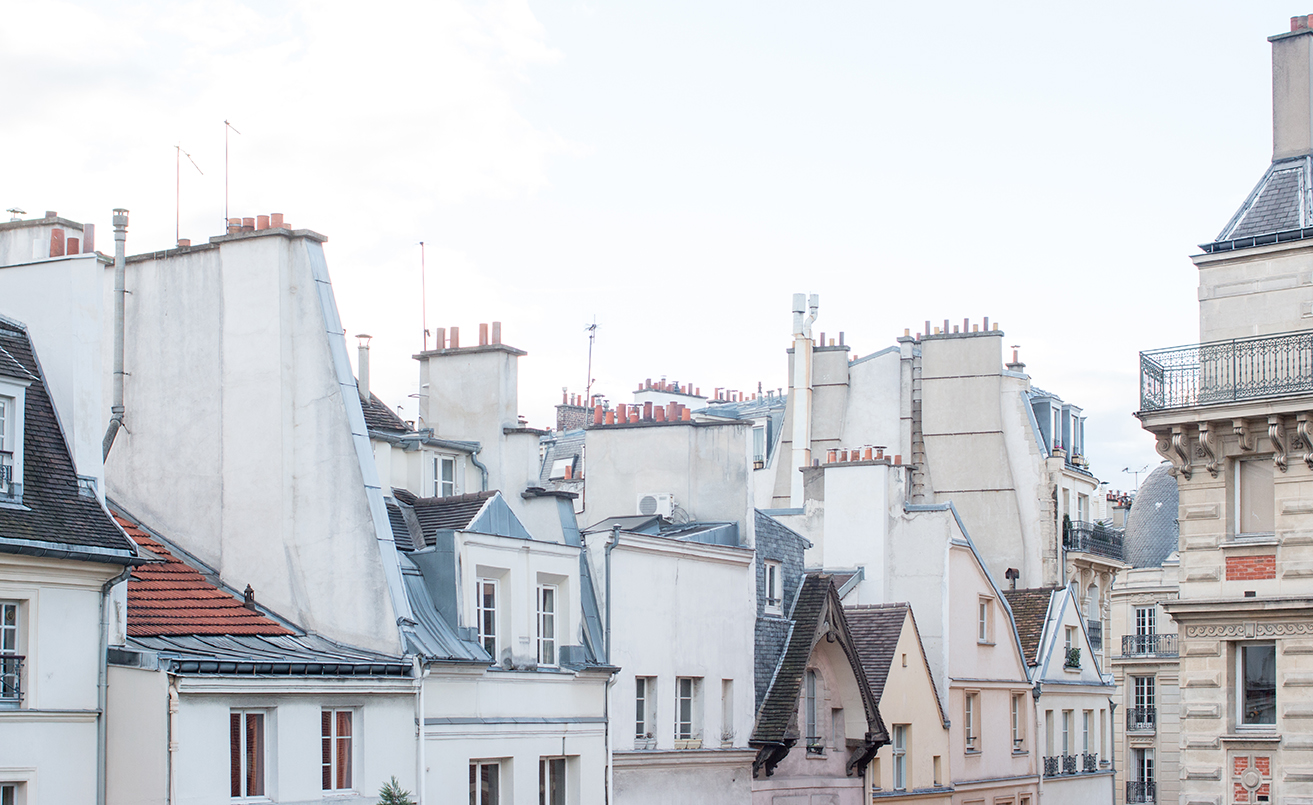 Parisian Rooftops Haven In Notre Dame Apartment