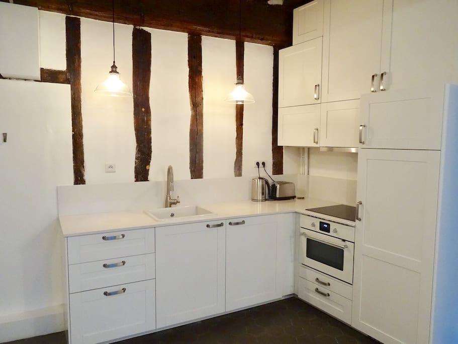 paris apartment in marais airbnb