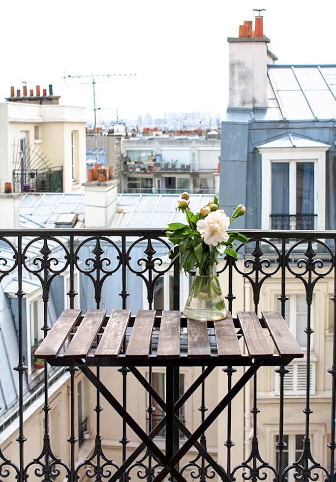 10 Airbnb Rentals in Paris for Under $200 My Apartment in Montmartre