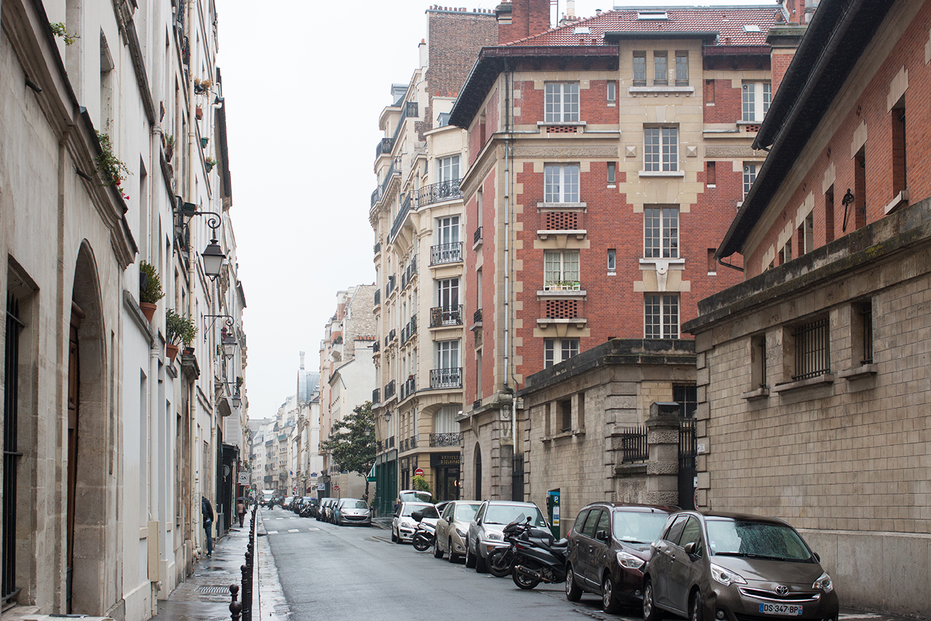 paris in the rain marais by rebecca plotnick