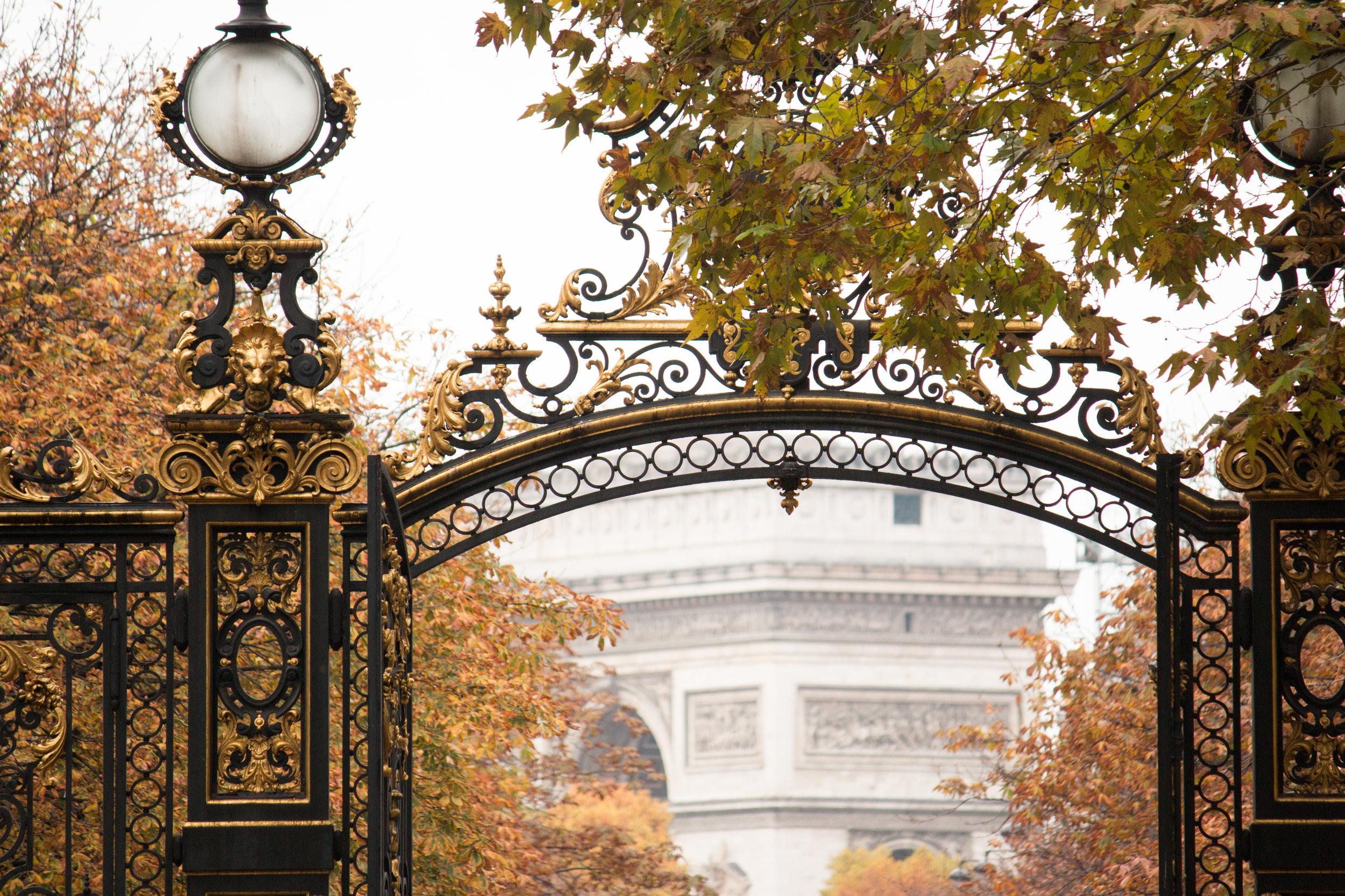 parc monceau paris france