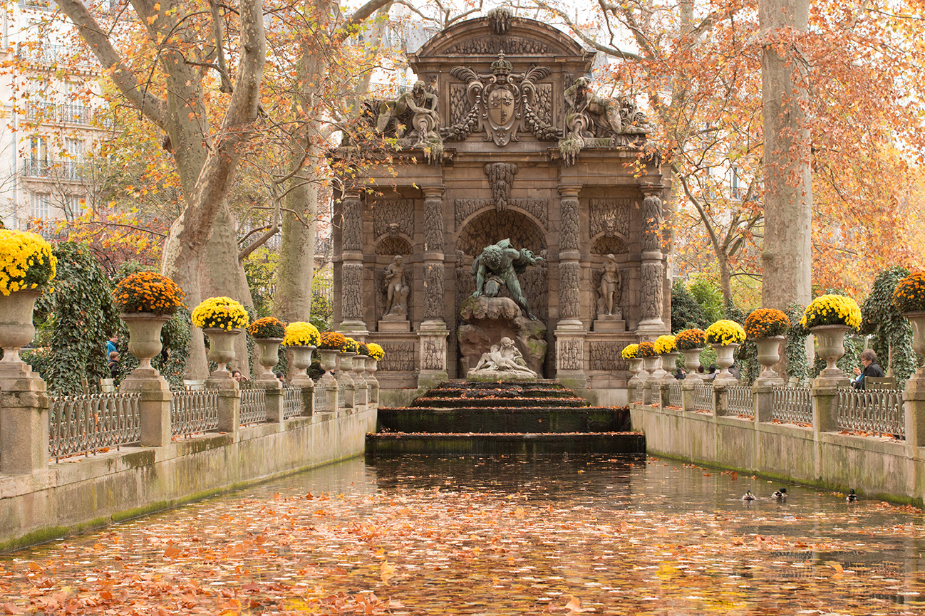luxembourg gardens in the fall paris france