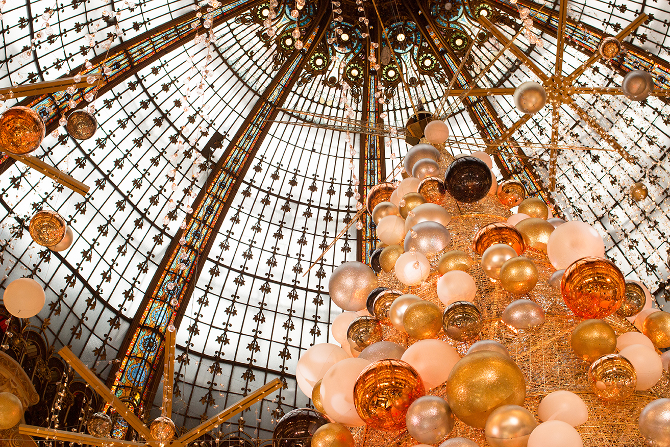 galleries lafayette paris christmas tree