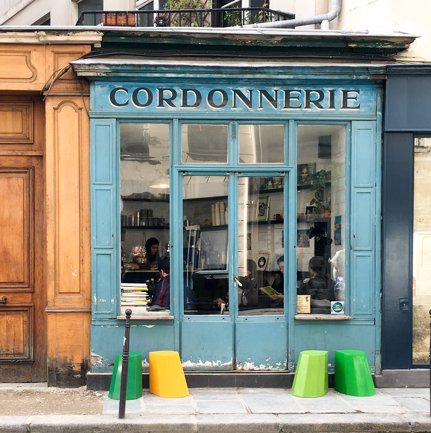 where to drink coffee in paris