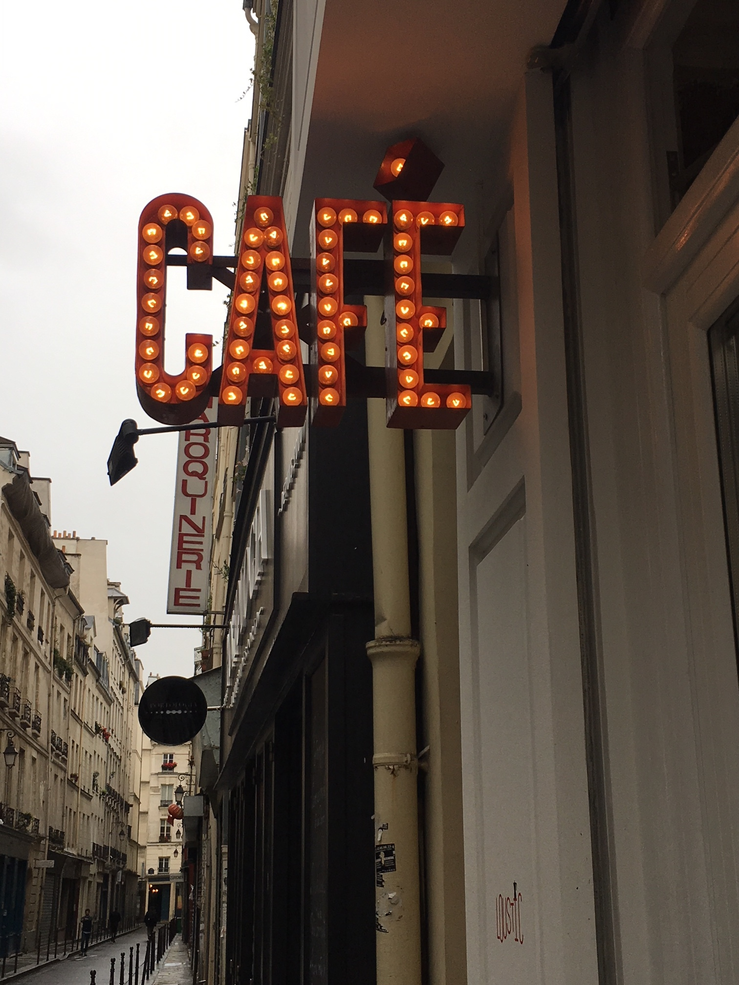 café loustic where to drink coffee in Paris, France