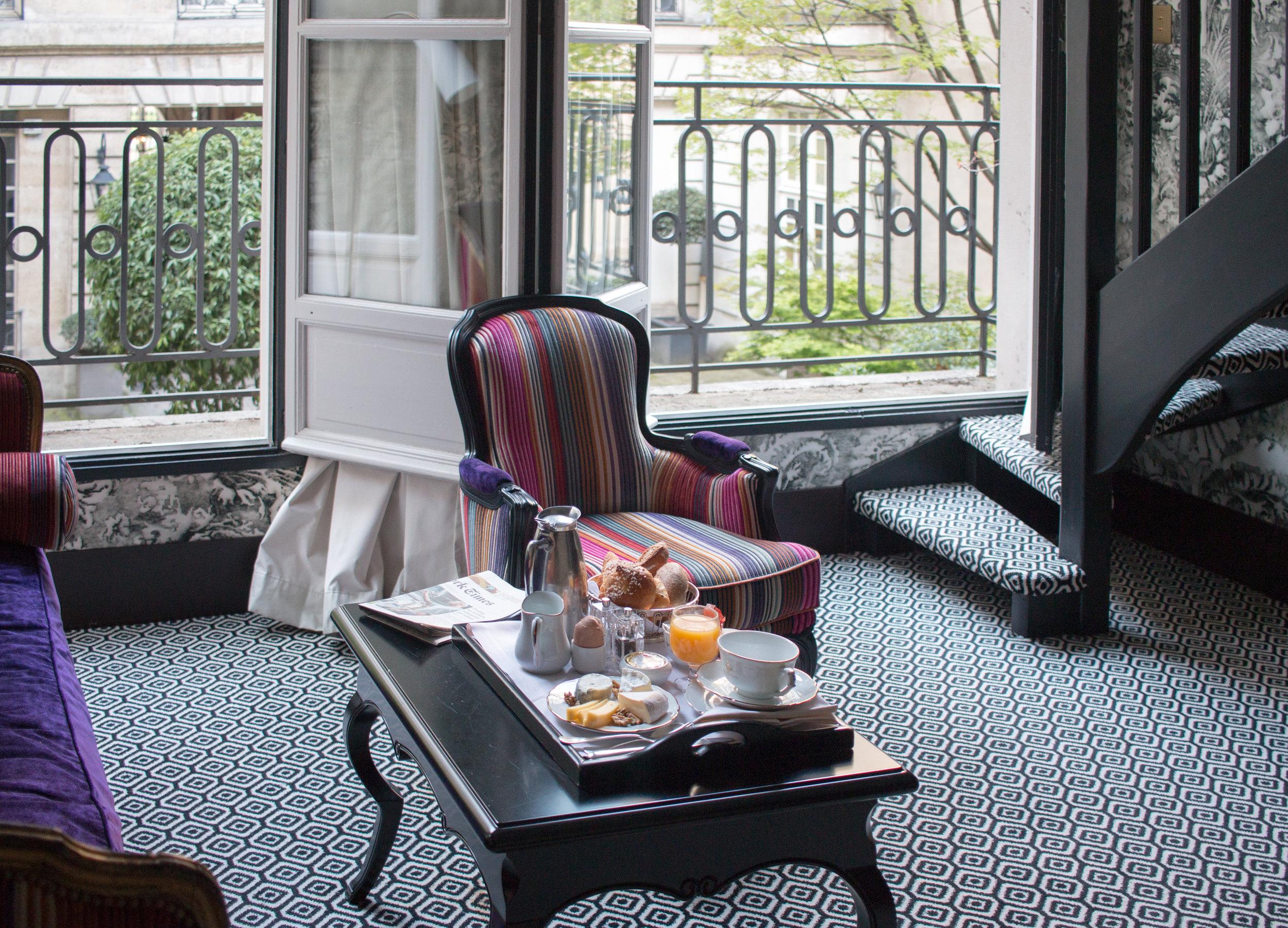 pavillon de la reine paris france hotel marais