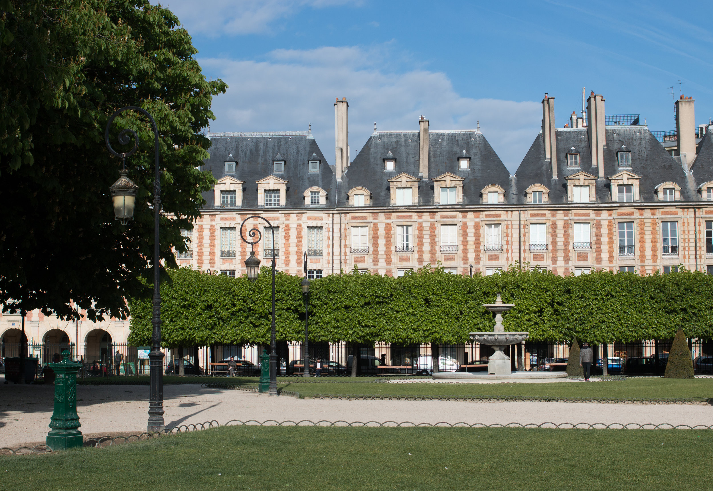 place des vosges paris france marais