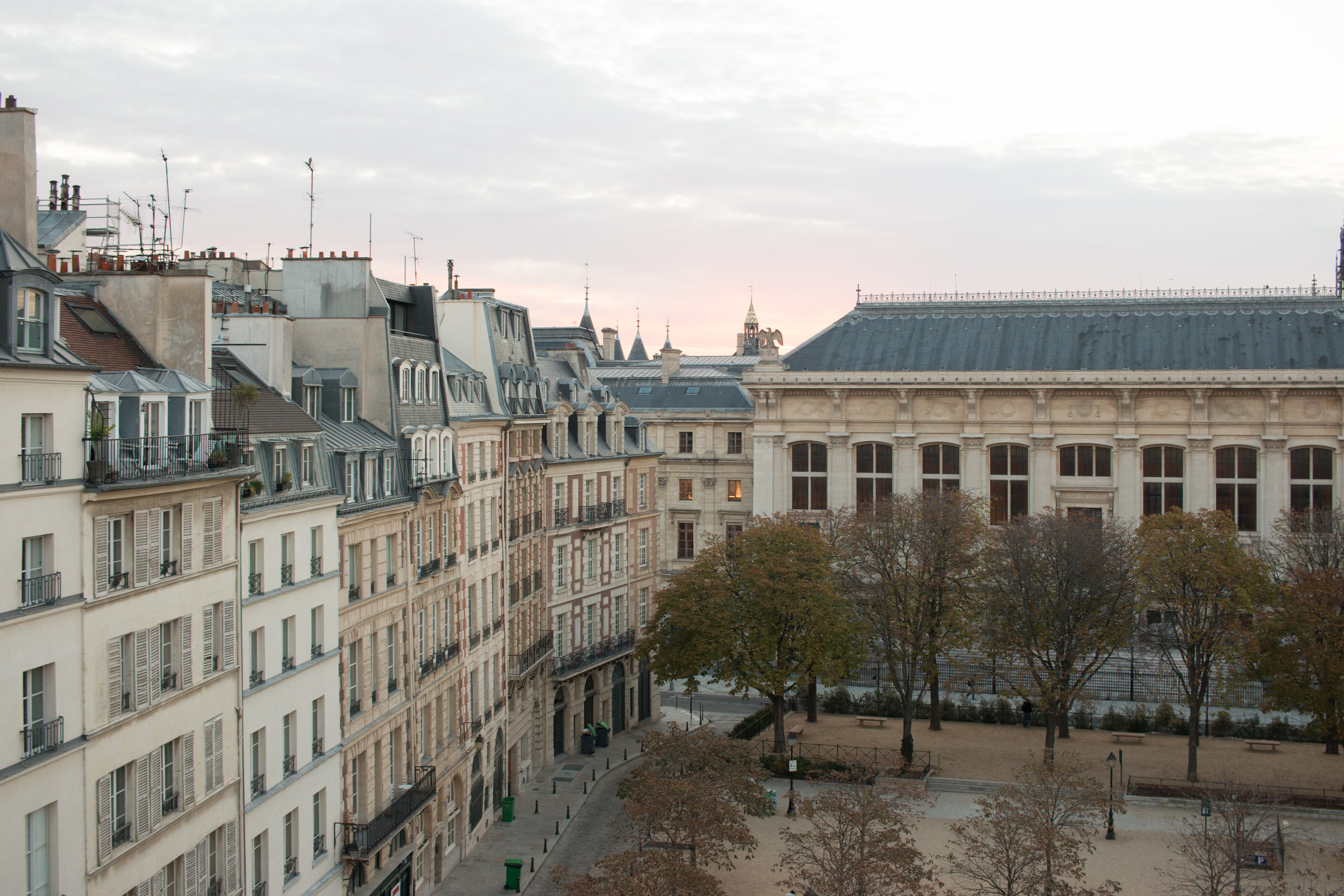 paris perfect rentals apartment place dauphine everyday parisian
