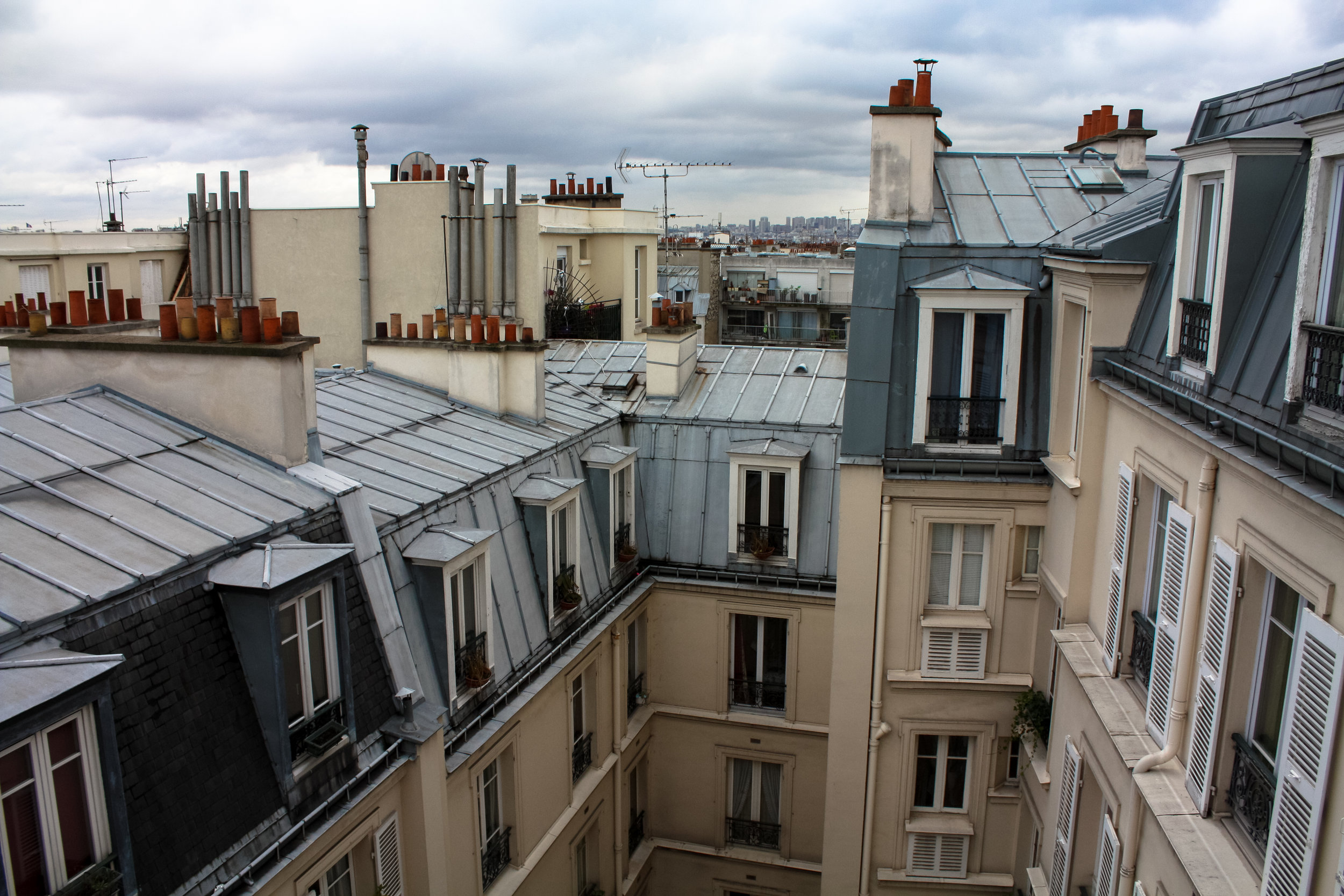 everyday parisian montmartre apartment paris france