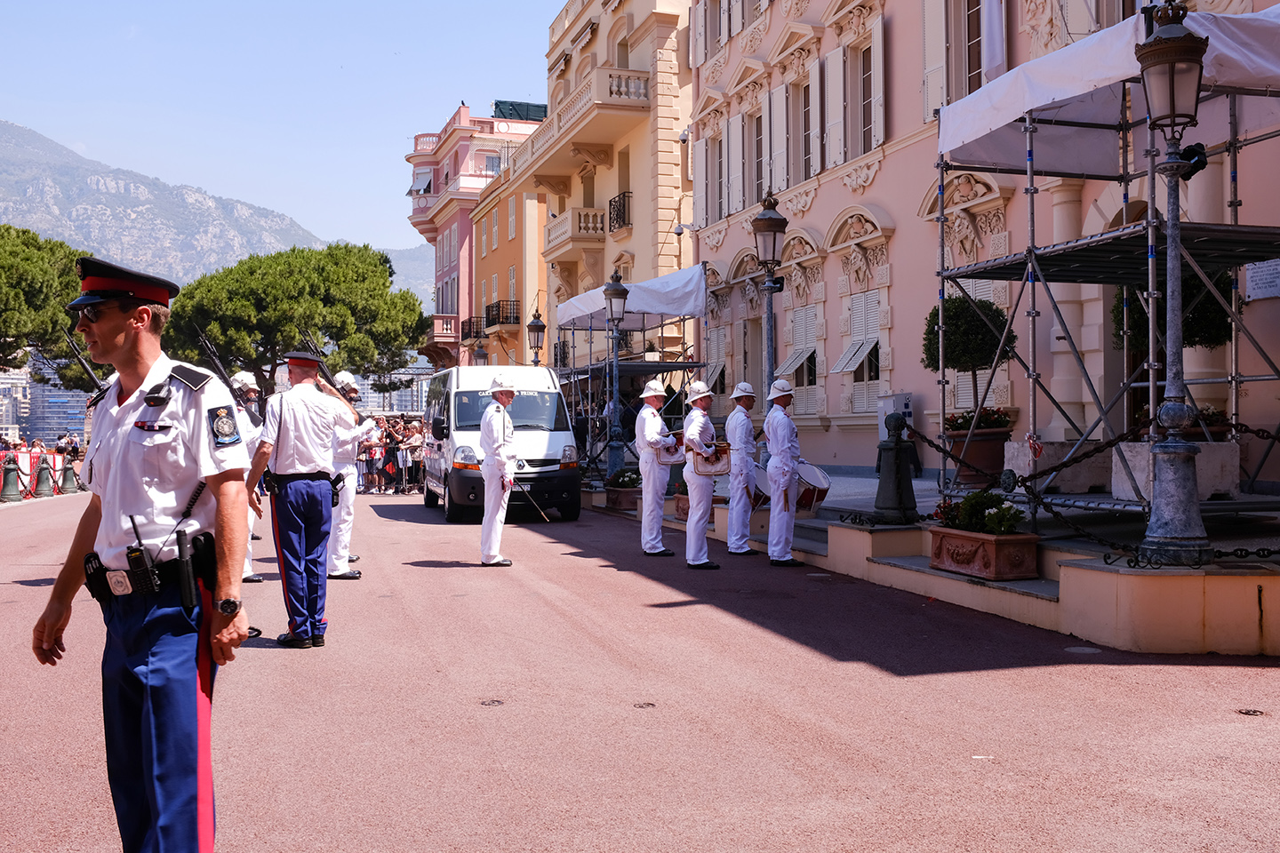 changing of the guards monaco france