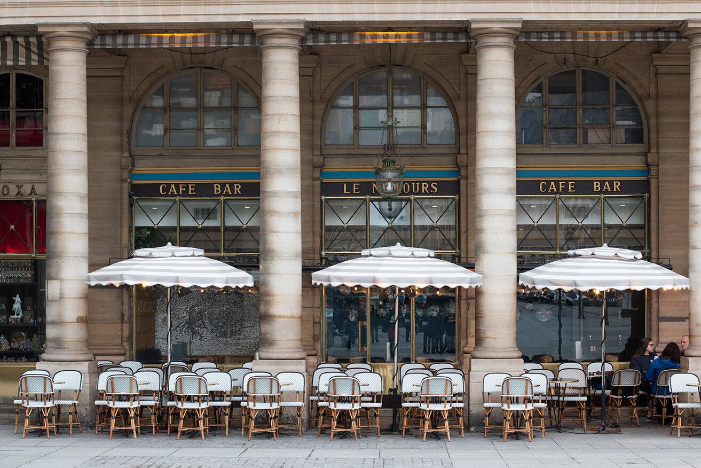Essential Café Etiquette for Paris