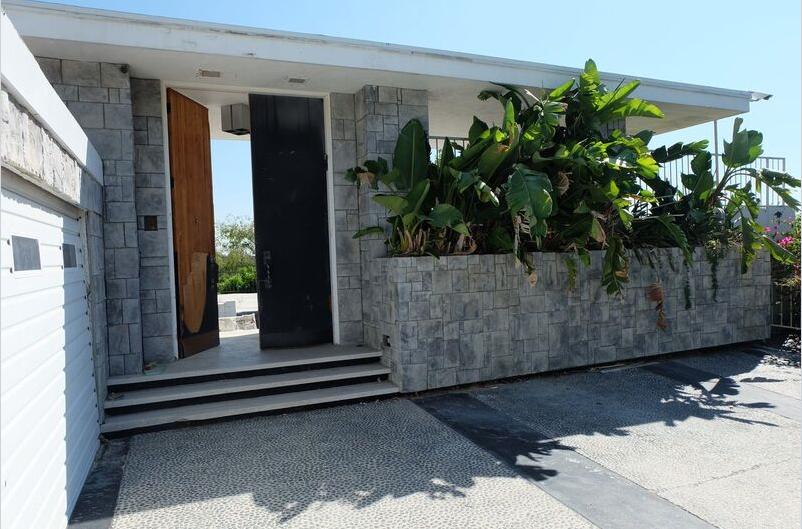 laurel entrance.PNG