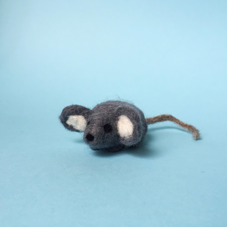 MollieAbleman_NeedleFetling_Mouse.JPG
