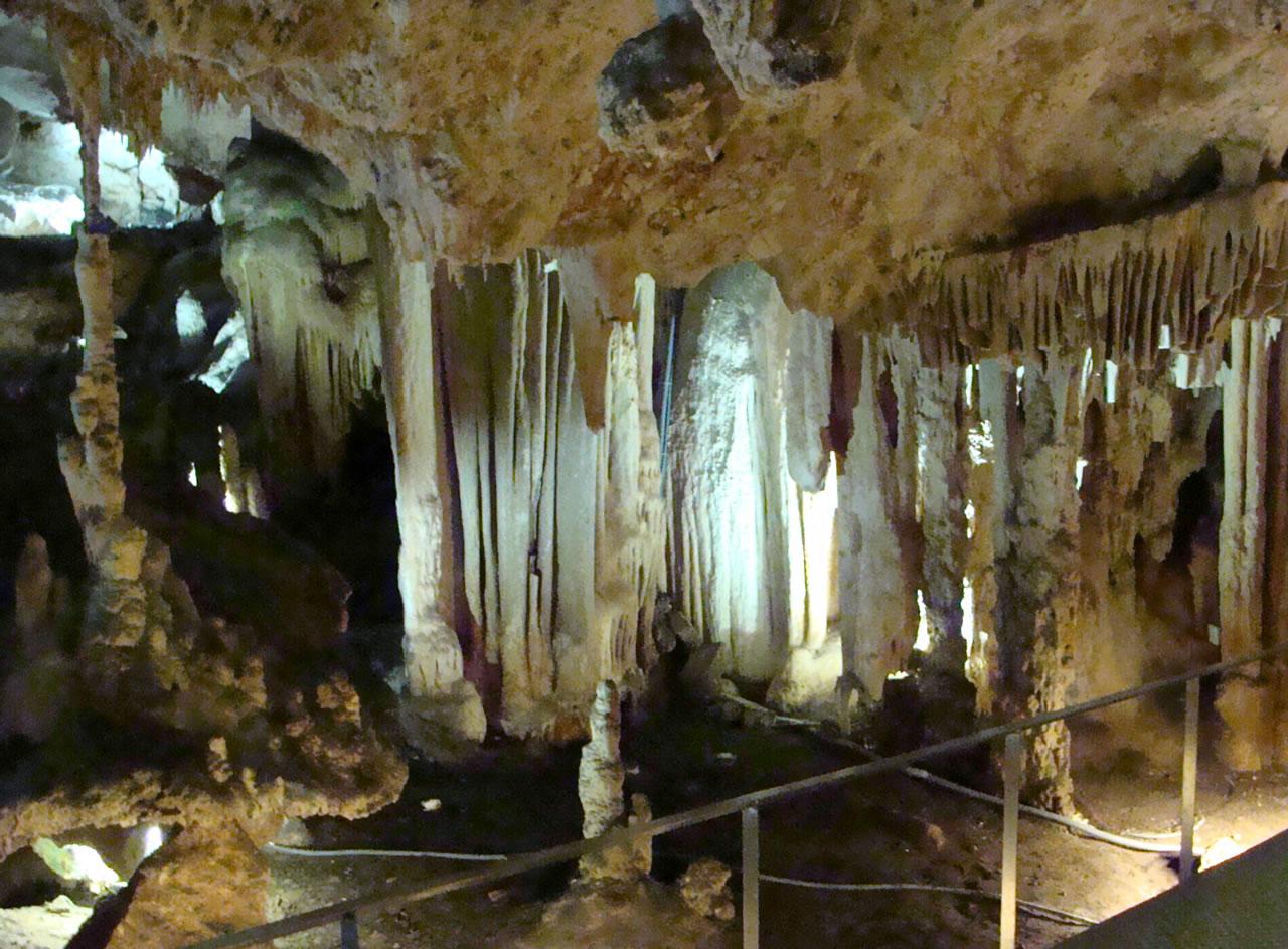 nerja_caves.jpg