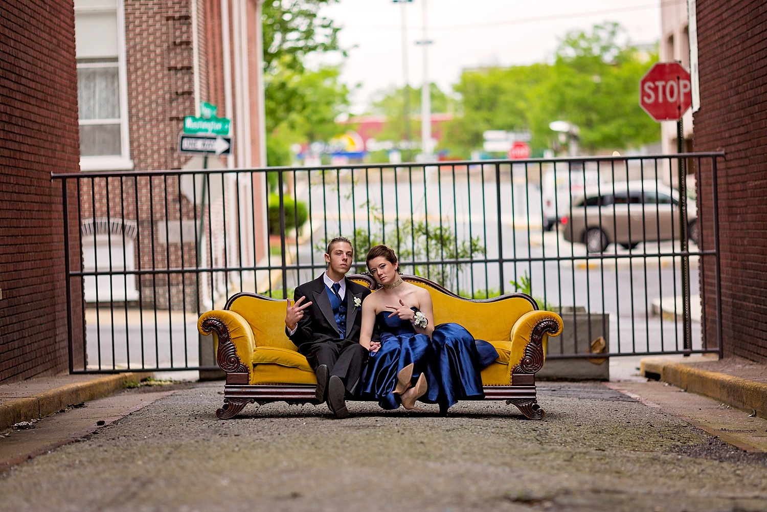 Reading GoggleWorks high school senior prom photoshoot