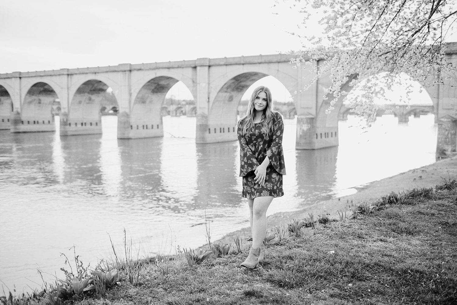 Riverfront Park Harrisburg high school senior photographer