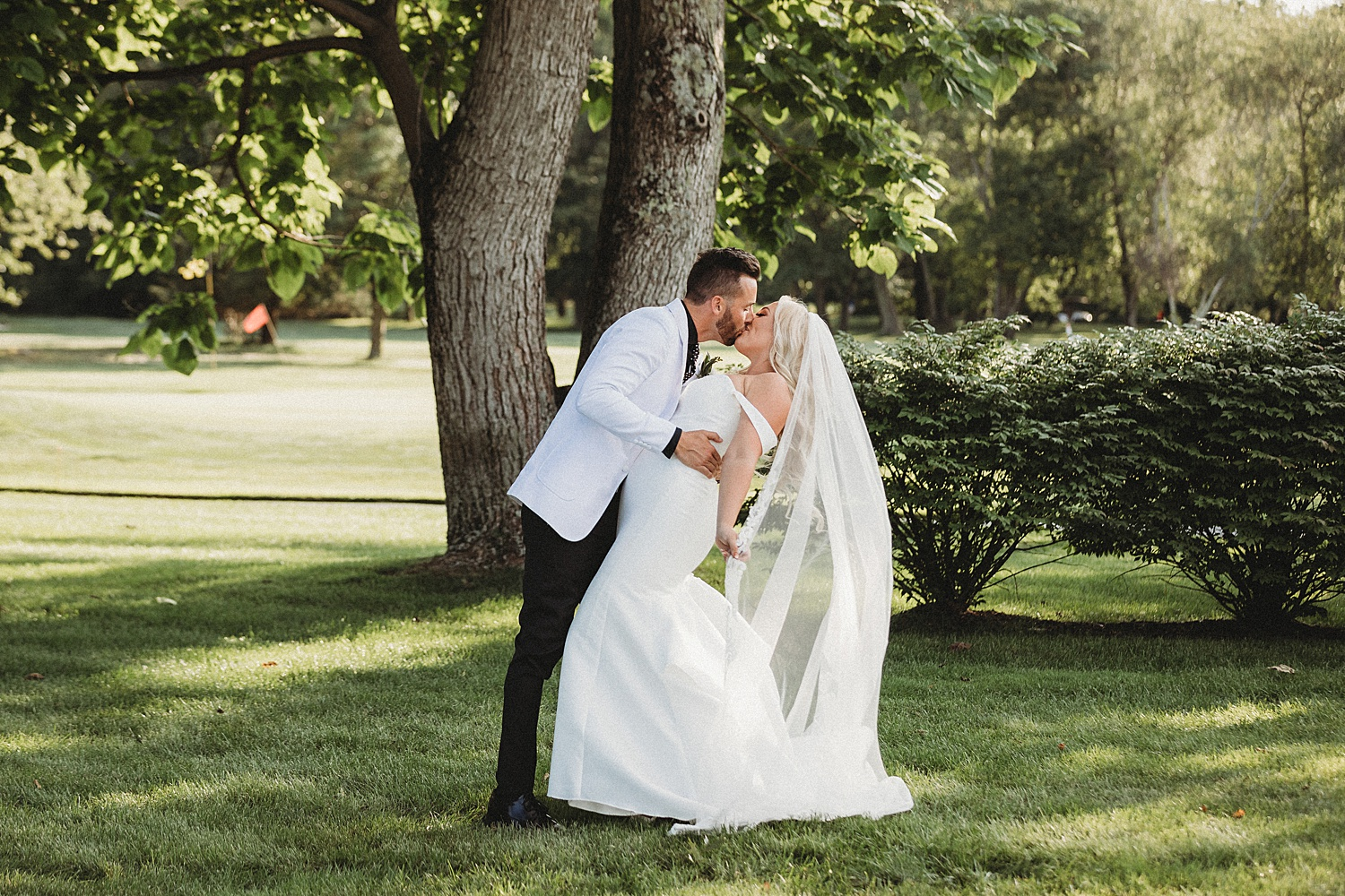 Eastlyn Golf Course outdoor summer wedding Vineland New Jersey photographer